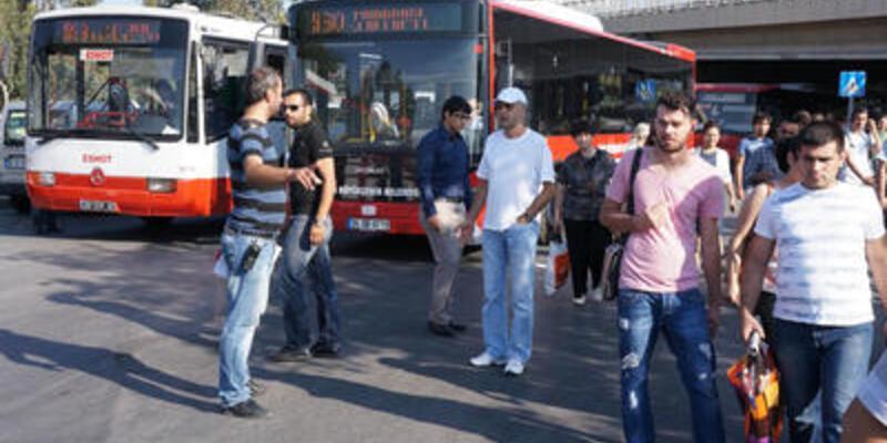 """İzmir'de otobüs şoförlerinin """"uyarı"""" grevi"""