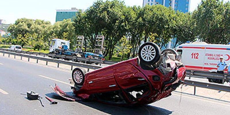 Otomobil takla attı, sürücüsü ölümden döndü