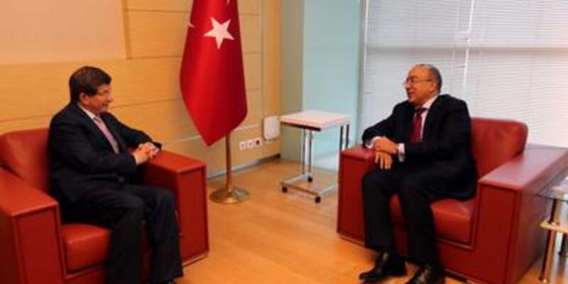 Mısır Büyükelçisi Davutoğlu'yla görüştü