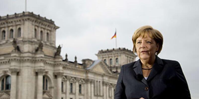 Merkel, Mursi'nin bırakılmasını istedi