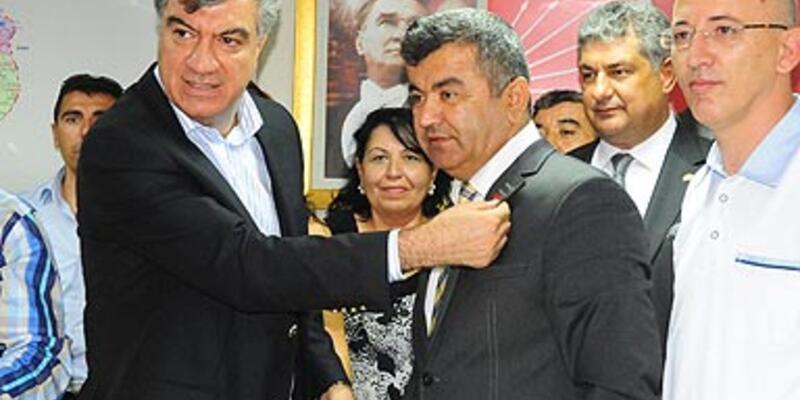 İzmir'de 600 kişi CHP'ye geçti