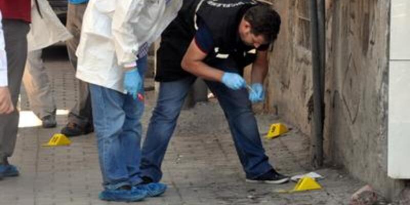 Elinde bomba patladı: 5 yaralı