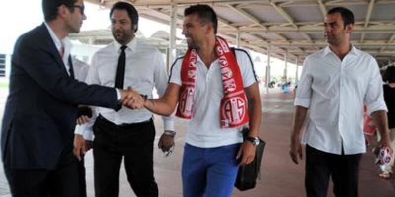 Baros Antalya'ya geldi