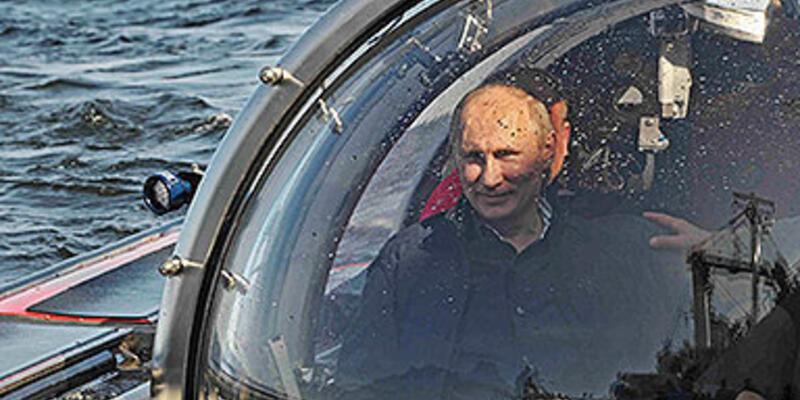 Putin bu kez denizaltı kullandı