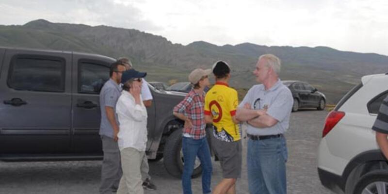 ABD Büyükelçisi dağa çıktı