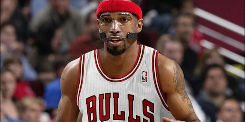 Bulls Hamilton'ı serbest bıraktı