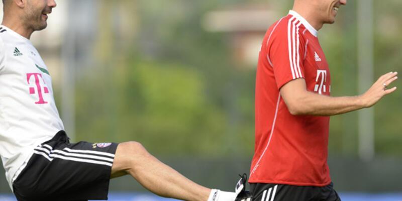 Guardiola Robben'i tekmeledi!