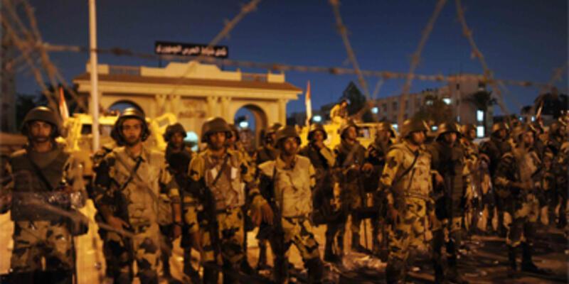 Mısır'da ateş açıldı: 52 ölü