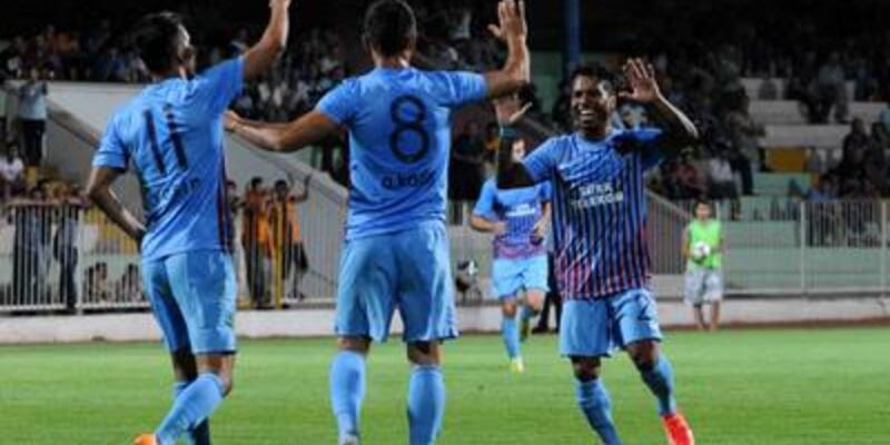 Trabzonspor Kabala'yı 2 golle geçti