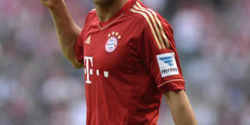 Pizarro 1 yıl daha Bayern'de