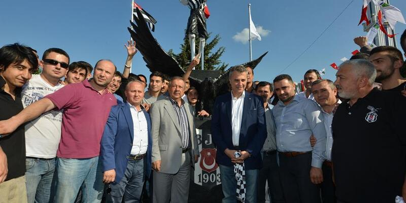 Beşiktaş'a şampiyonluk anıtı