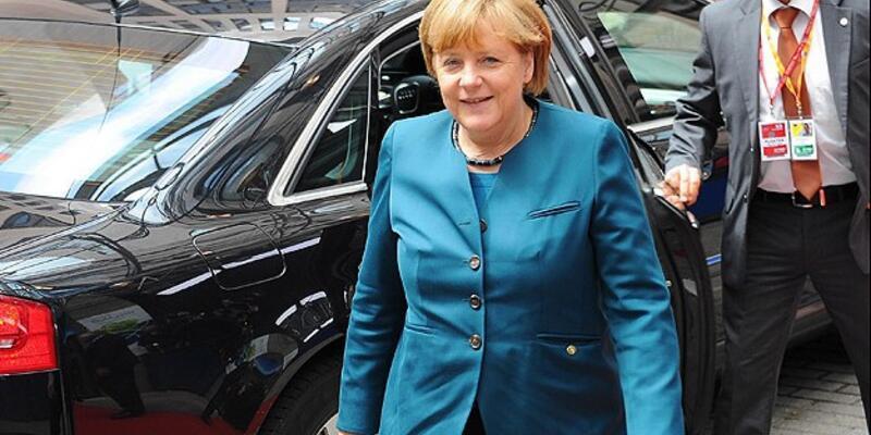 """Merkel: """"Şansınızı başka ülkelerde deneyin"""""""
