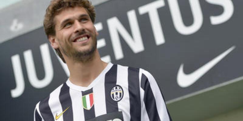 Juventus Llorente'ye de imza attırdı