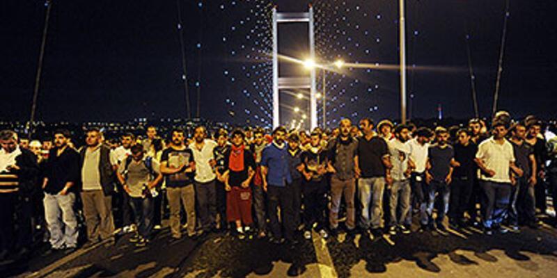 Köprüye yürüyen gruba polis müdahale etti
