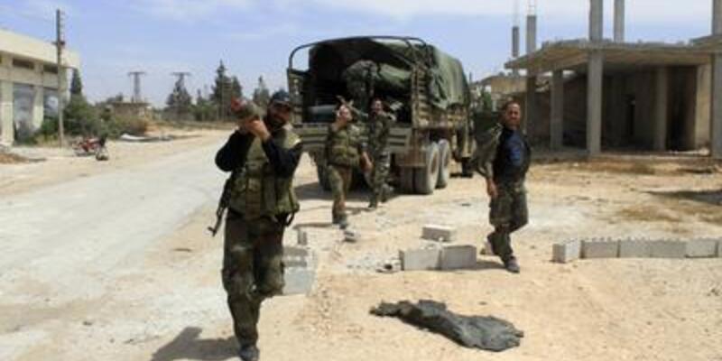 Suriyeli 71 subay Türkiye'ye geçti