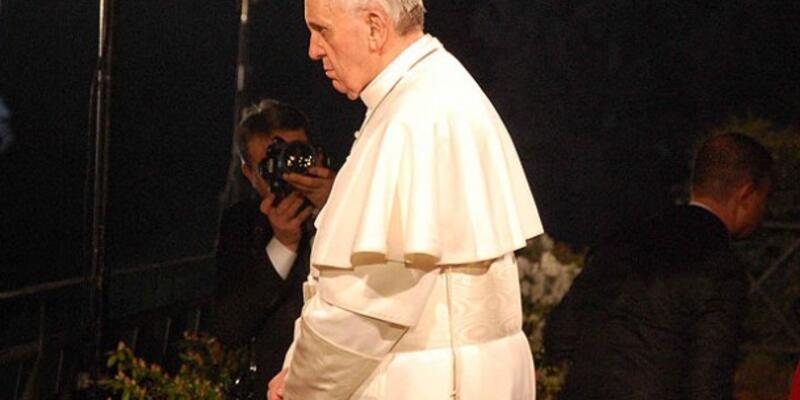 """Papa ilk kez ''Haç Yolu""""nu yönetti"""