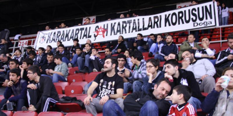 Beşiktaş taraftarı 'şah kartalları'na sahip çıkıyor