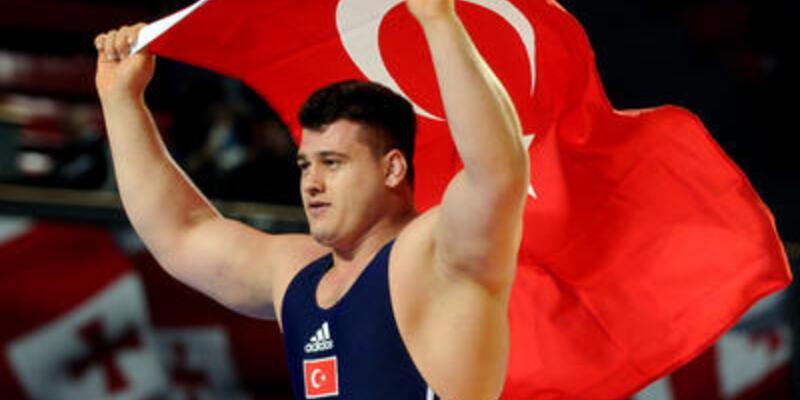 Grekoromen güreşte 1 altın 2 bronz aldık