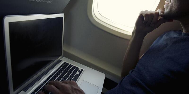 Uçakta elektronik cihazları kapatmaya son!