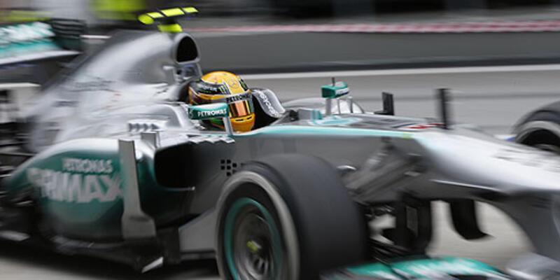 Hamilton eski takımının pit alanına girdi!