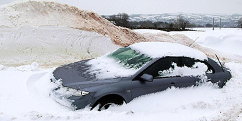 Kara kış İngiltere'yi vurdu!