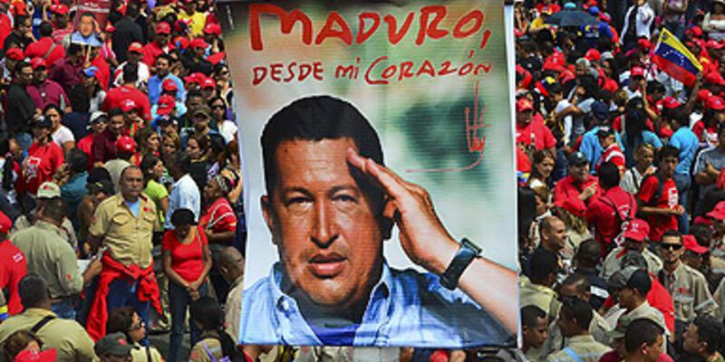 Chavez öldü, Venezuela karıştı