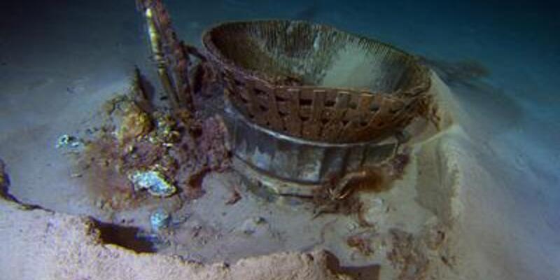 Apollo 11'in 2 motoru denizden çıkarıldı