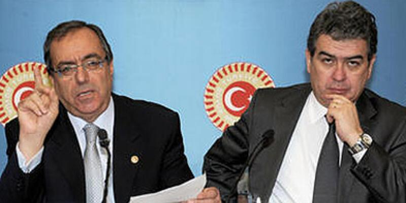 """""""Anayasa"""" tartışması CHP'yi de böldü"""