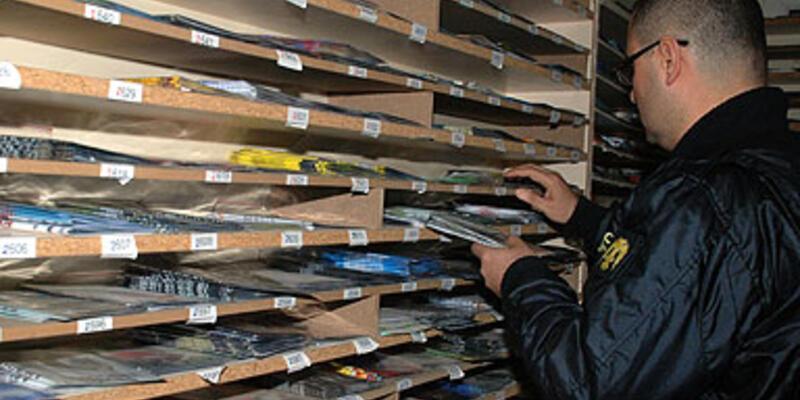 100 binden fazla korsan CD ele geçirildi