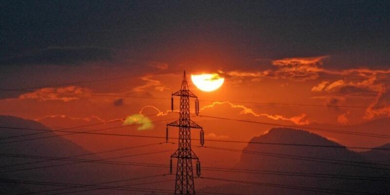 Şubatta elektrik tüketimi azaldı