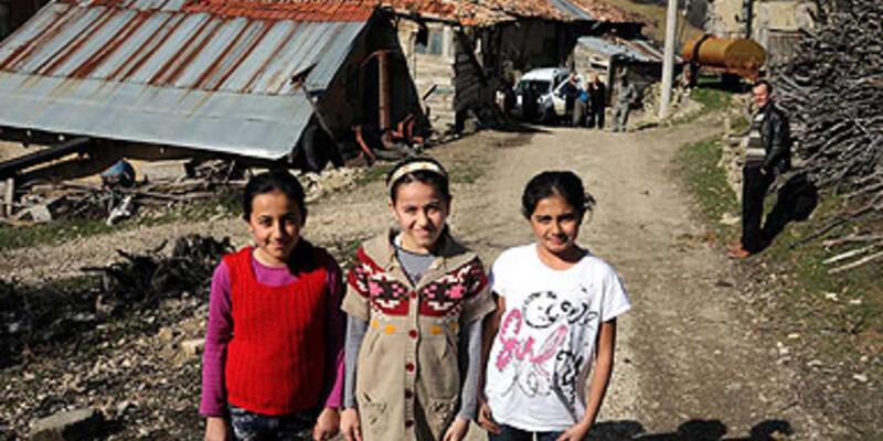 Heyelan olan köyü devlet 15 yıl sonra hatırladı