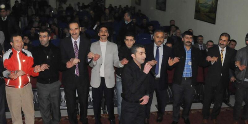Hakim ve Savcılar cezaevinde Kürtçe halay çekti