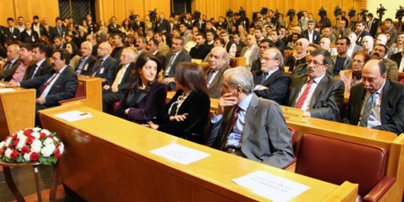 """BDP: """"Görüşmeler çözümün başlangıcı"""""""