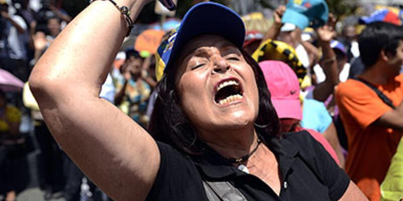 Chavez karşıtı muhalifler gösteri düzenledi