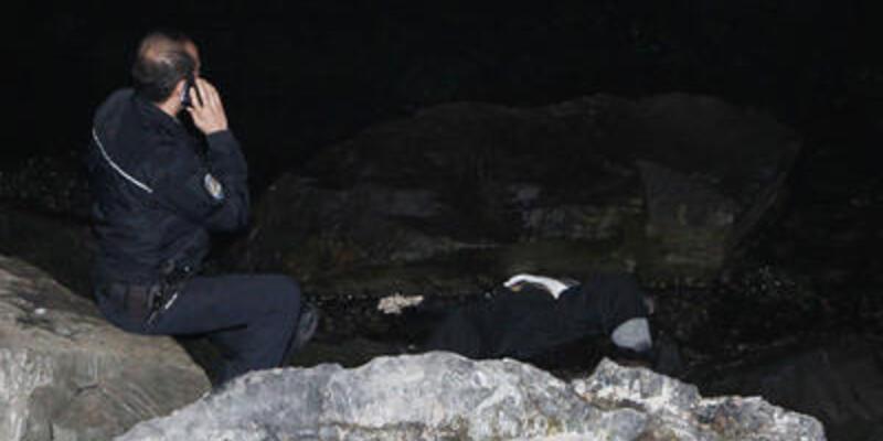 Fatih'te sahilde bir ceset bulundu
