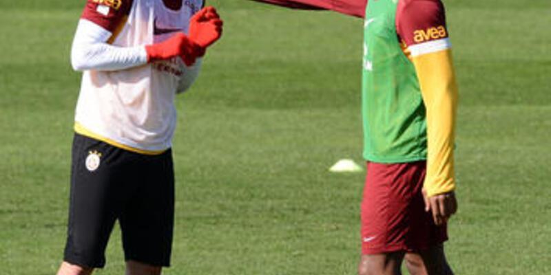 Drogba, Burak'ı tebrik etti