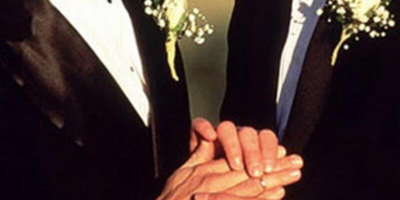 İngiltere eşcinsel evliliklere 'evet' dedi