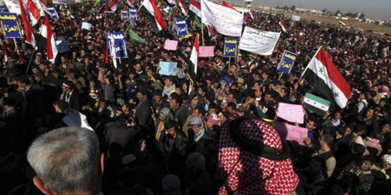 Irak'ta yüzbinlerce kişi protestoda