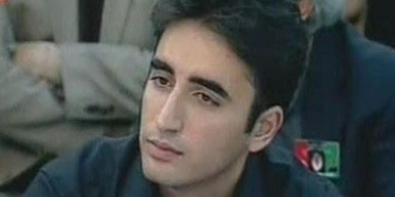 Benazir Butto'nun oğlu siyasete girdi