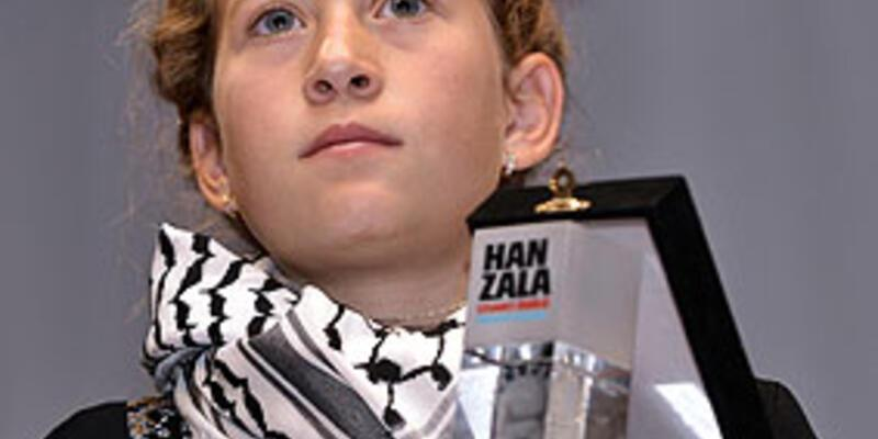 """Filistinli cesur kız """"cesaret ödülü""""nü aldı"""