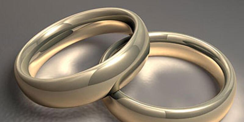 Havalimanı'nda sürpriz evlenme teklifi