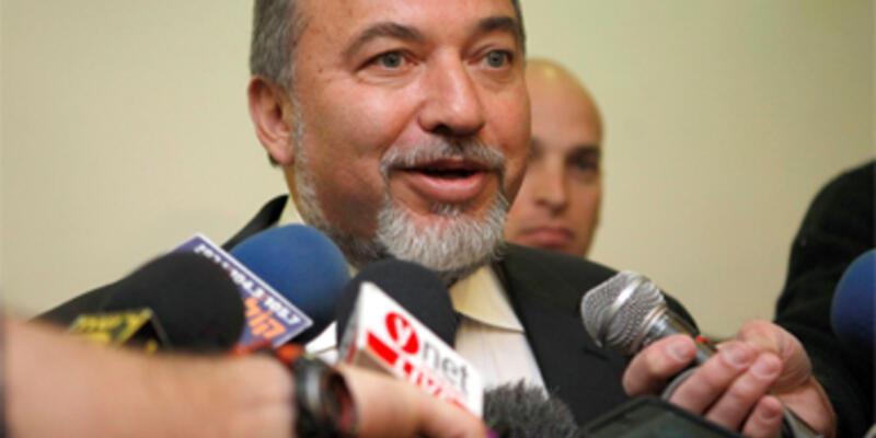 Kadın siyasetçilere fahişe diyen Lieberman özür diledi