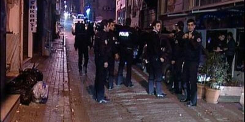 Kadıköy'de silahlı-bıçaklı kavga