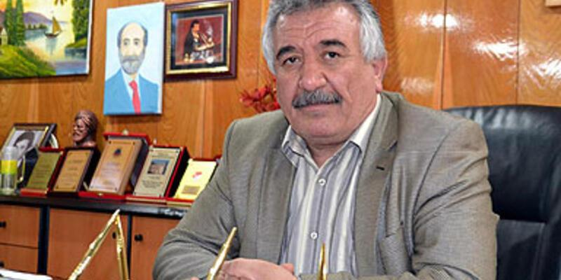 Selim Sadak'ın cezası ertelendi