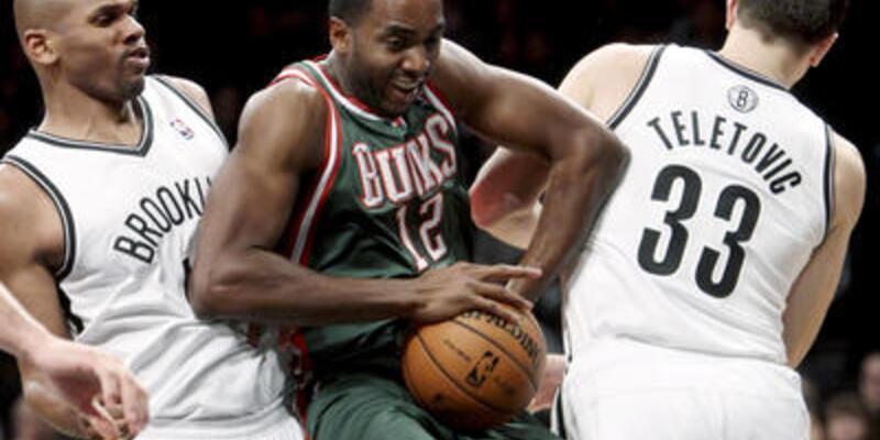 Ersanlı Bucks'ın Nets keyfi