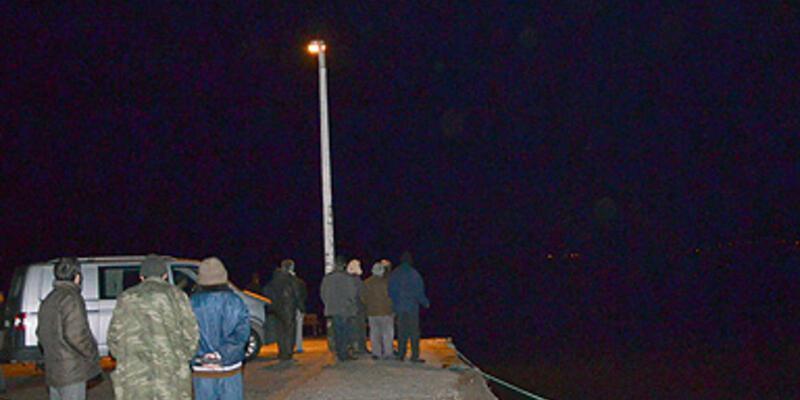 İzmir'de tekne alabora oldu: 1 kişi kayıp