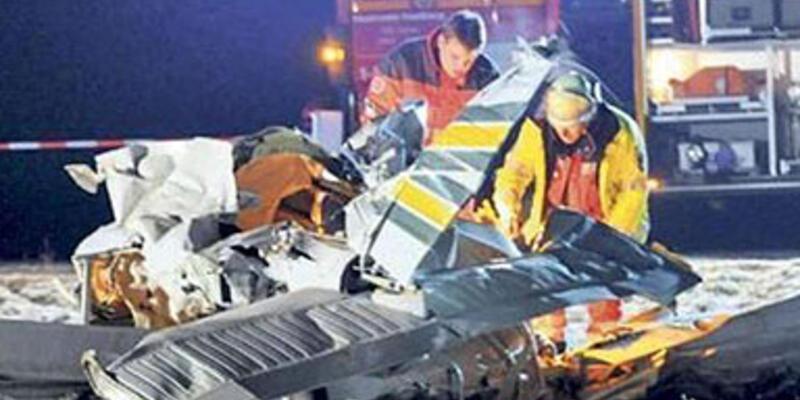2 uçak havada çarpıştı: 8 ölü