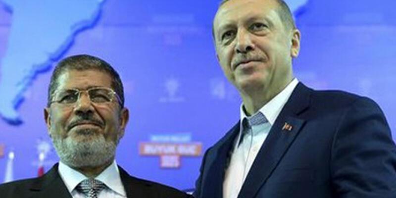 Erdoğan, Mursi'yi aradı