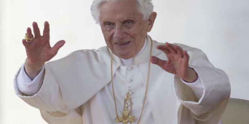 Papa Twitter hesabı açtı