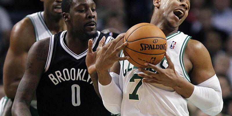 Nets, Celtics'i de devirdi